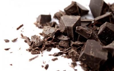Чорний шоколад позбавить набряків