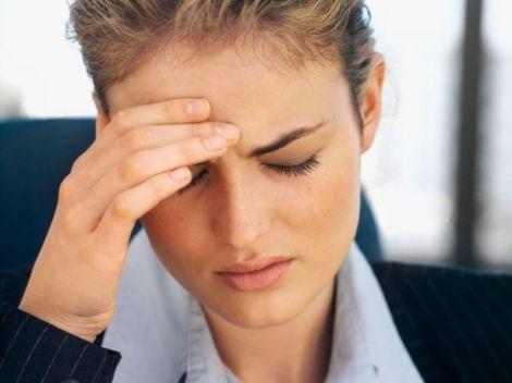 Головний біль - ознака інтоксикації
