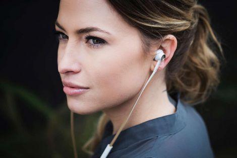Небезпека використання навушників
