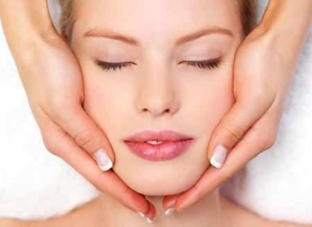 Використовуйте олію для обличчя
