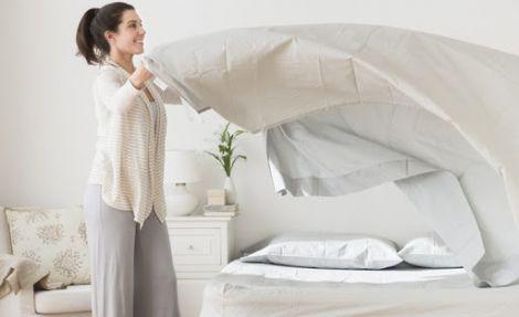 Не варто застеляти ліжко одразу після сну