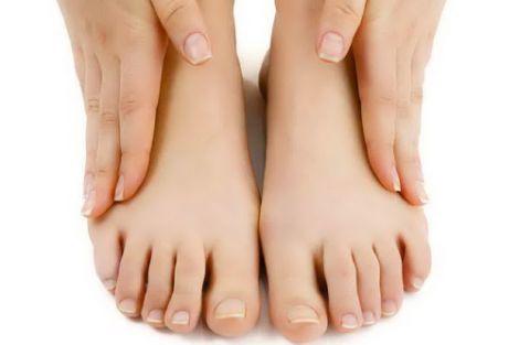 Набряки ніг: як вилікувати захворювання без ліків