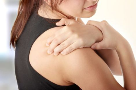 Біль у лівому плечі - ознака серцевого нападу