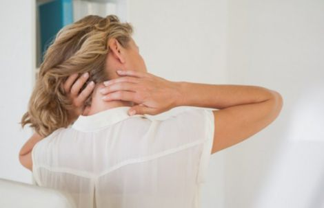 Причини болю в шиї
