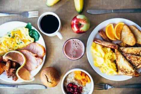 Який сніданок допоможе знизити рівень холестерину в крові?