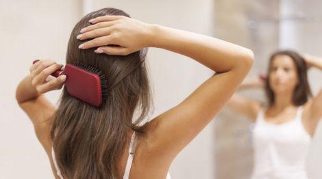 Правила миття гребінців та розчісок для волосся