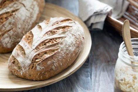 Скільки хліба потрібно вживати на день?