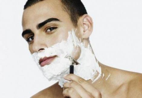 Пінка для гоління в побуті