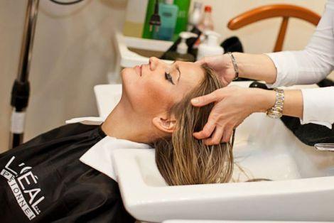 Ефективний пілінг для шкіри голови (ВІДЕО)