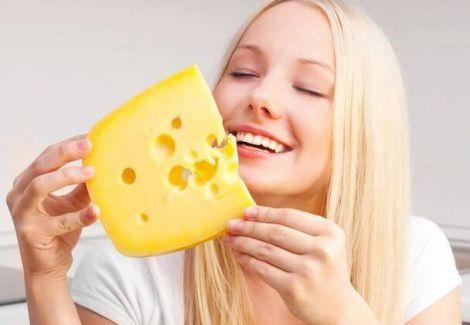Як сир впливає на схуднення?