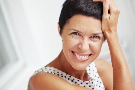 Вертикальні зморшки над верхньою губою можуть проявляти гормональні і гінекологічні проблеми