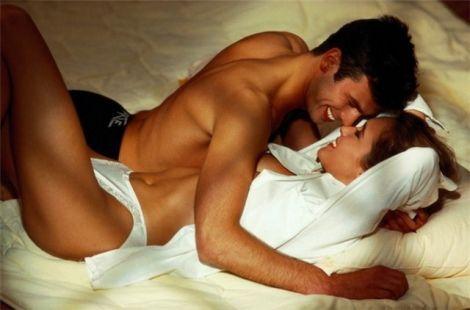 Чим корисний секс для жіночого організму?