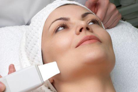 Ультразвукова чи лазерна: яка чистка безпечна для обличчя?