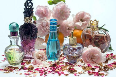 Люди обирають дешеві парфуми