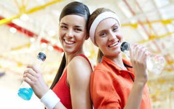 Після тренування варто знову поповнити організм продуктами, що містять білки і вуглеводи