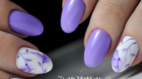Квіти на нігтиках