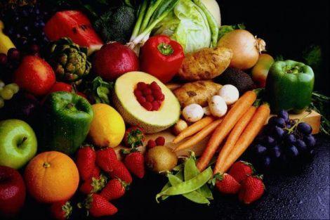 Корисні овочі та фрукти квітня