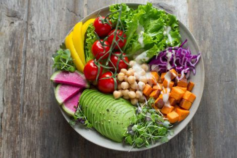 Овочі не варто їсти зі шкіркою