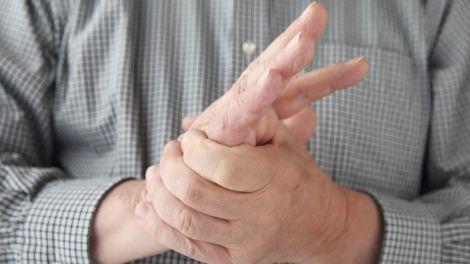 Лікар назвала перші ознаки розсіяного склерозу