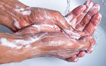 Перед їжею необхідно мити руки