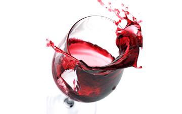 червоне вино може продовжити тривалість життя людини, якщо вживати його у помірних дозах