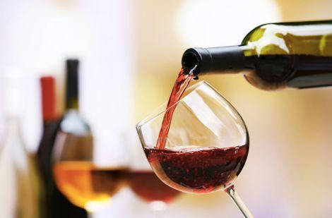 Червоне вино містить у своєму складі корисні антиоксиданти