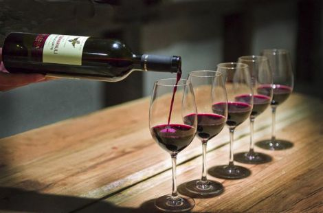 Роботу мозку покращить вино
