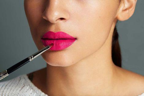 Як ідеально нафарбувати губи?
