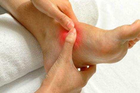 Чому жінки частіше хворіють артритом?
