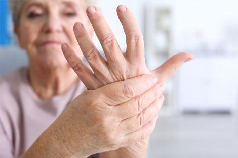 Ознаки артриту, які краще не ігнорувати