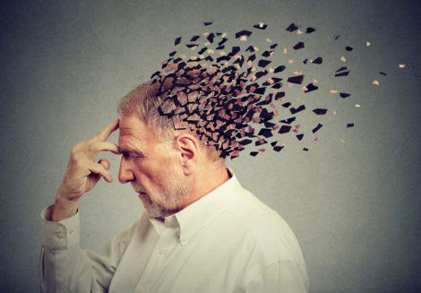 Перші симптоми хвороби Альцгеймера