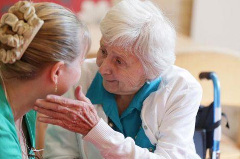 Хвороба Альцгеймера у жінок
