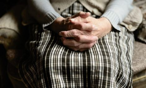 Причина виникнення хвороба Альцгеймера