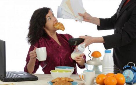 Заїдати стрес шкідливо для здоров'я та фігури