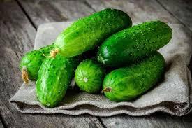 Кому потрібно їсти більше огірків?