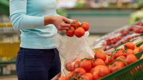 """""""З'їв - свідомість втратив"""": як розпізнати небезпечні томати, пояснив токсиколог"""