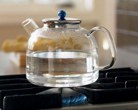 Чи можна повторно кип'ятити воду?