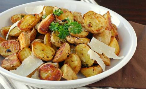 Картопля в мундирах - джерело вітамінів