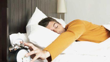Коли сон не допомагає: названі основні причини постійної втоми