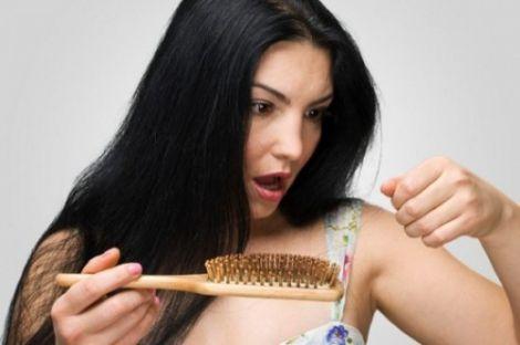 Випадіння волосся: яких вітамінів вам не вистачає
