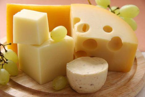 Від карієсу захистить твердий сир