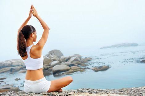 Гнучке тіло за 30 хвилин: йога для початківців (Відео)