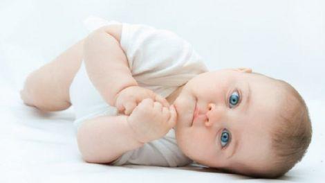 Мозок малюка запам'ятовує інформацію під час сну