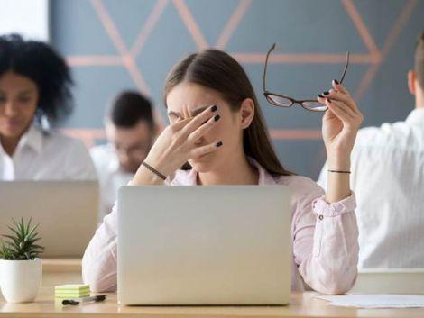 Плями і спалахи: п'ять головних сигналів небезпеки для вашого зору