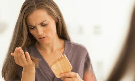 Лікуємо випадіння волосся вітамінами