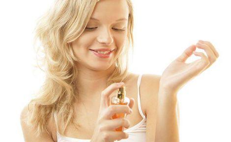 Як правильно користуватись парфумами влітку?