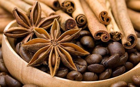 Кава з прянощами