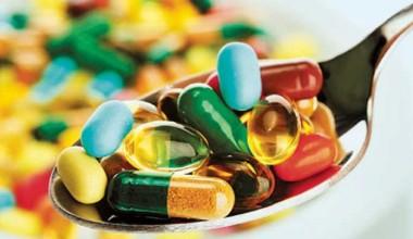 Чи можуть ліки замінити БАДи та навпаки?