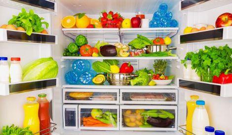 Які продукти не можна зберігати в холодильнику?