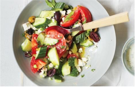 Шкідливі інгредієнти улюблених салатів